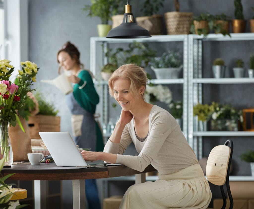woman-applying-online-for-small-business-loan